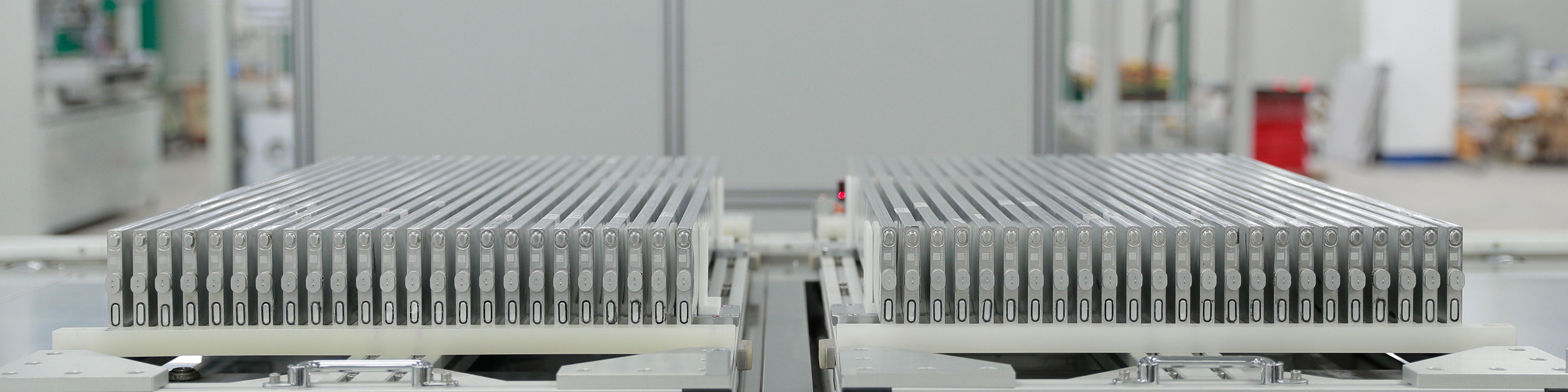 四车齐发,佩刀·安天下-比亚迪宣布纯电全系搭载刀片电池