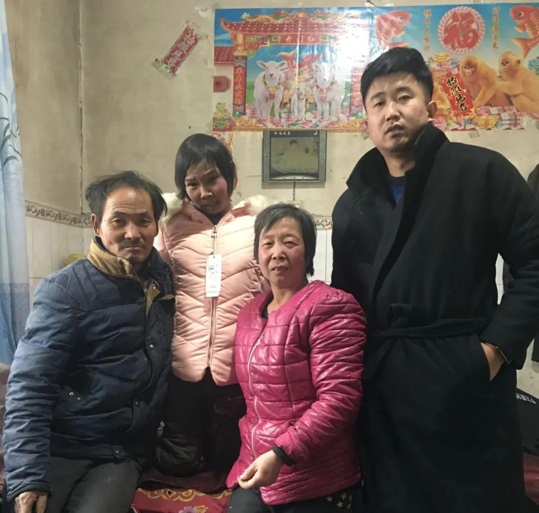 扶贫路上洒爱心——洛川县明珠中学副校长孙强为患病少女奉献爱心