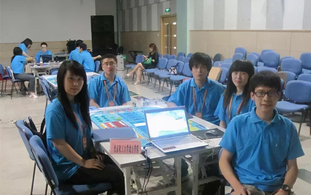 杨振宁:中国学生该不该出国留学?出去该不该回来?