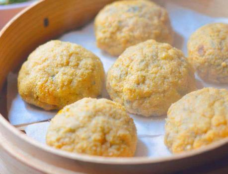 玉米面菜团子做法 15分钟做一锅 特好吃