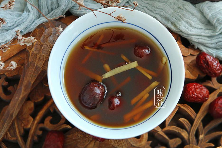 明日入伏,不懂喝姜茶亏了,每天坚持喝,降暑祛湿,对女人尤其好
