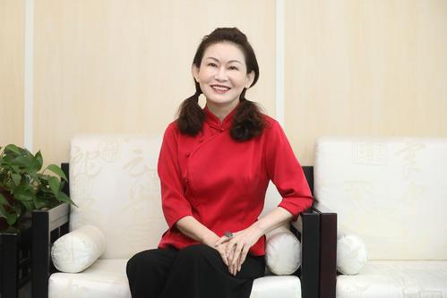 山东3位玻尿酸科学家,都没上富豪榜,反帮助她成为山东女首富