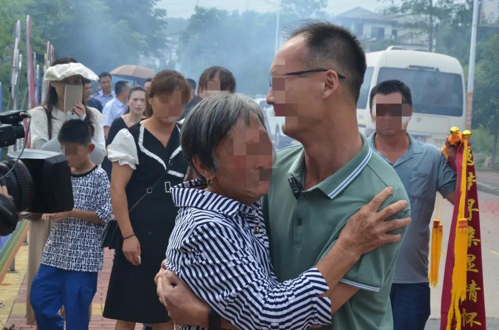 浙江衢州公安助力,失散41年的他们重聚了