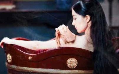古人一般都是怎么洗澡的?按照礼节多久洗澡一次呢?