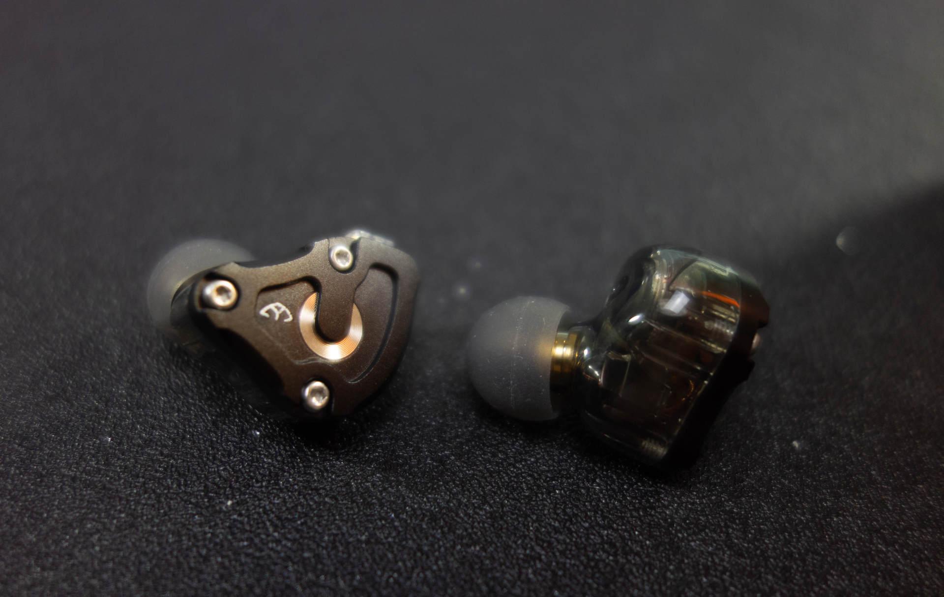 圈铁组合恰是专注于声,aigo EROS H200HIFI耳机