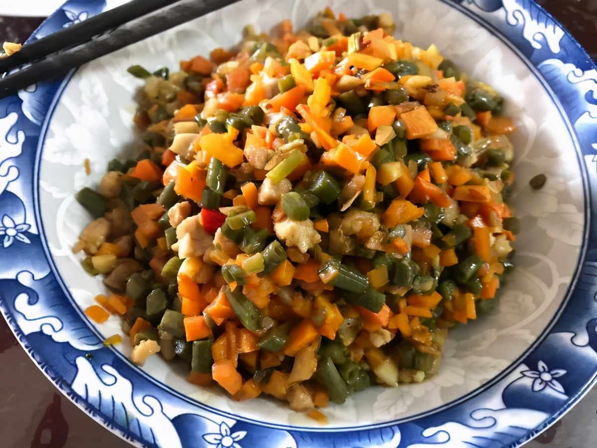 这才是玉米面最好吃的做法,开水一烫,上锅一蒸,出锅后满屋飘香