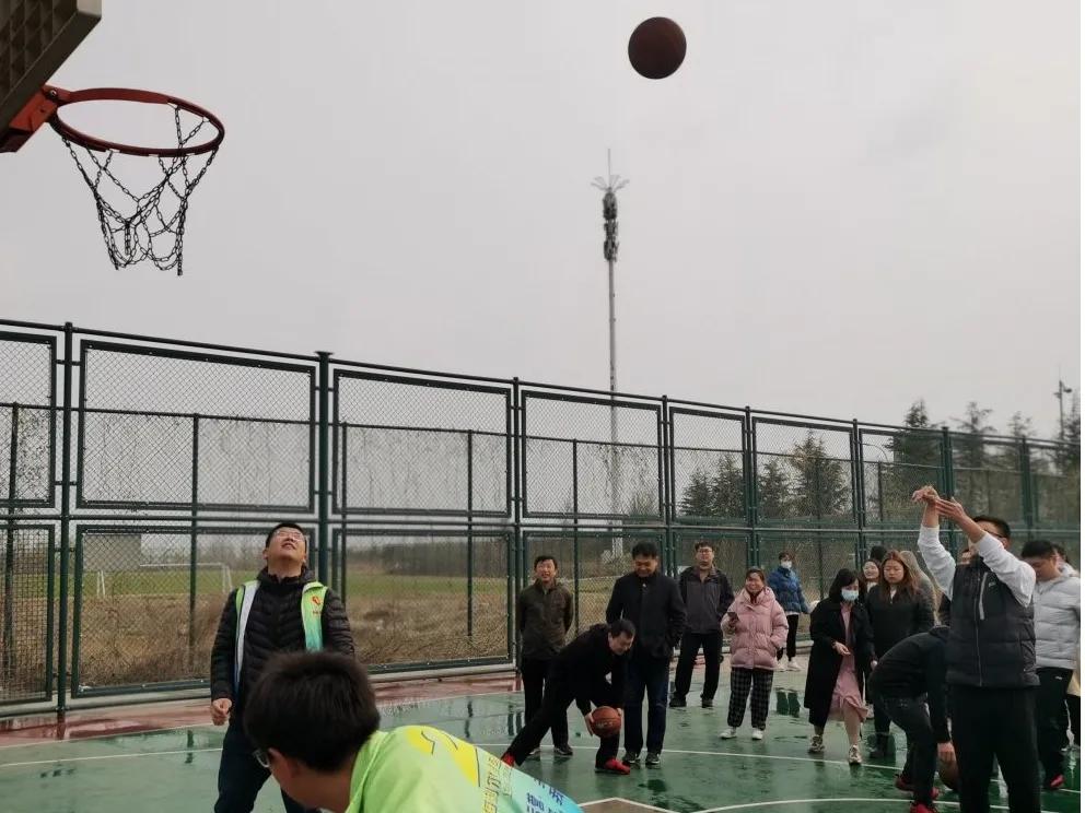 幸福成長匯——海利爾集團舉辦2021年春季趣味運動會