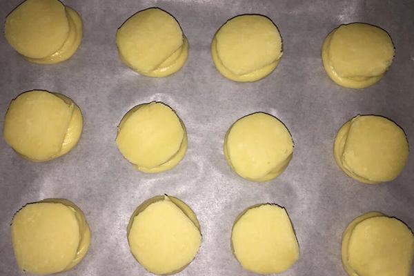 十分美味的酥皮泡芙做法,自己动手做便宜又没有添加剂