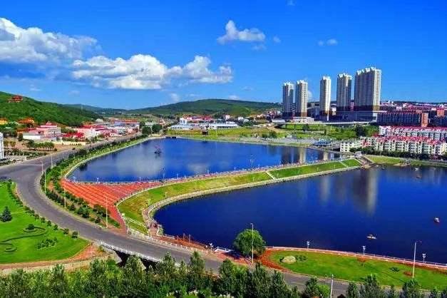 """黑龙江一座实力县级市,由牡丹江代管,被誉为""""林海雪原"""""""