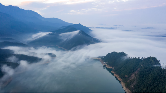 江西省武宁县:云海仙境再现柳山景区