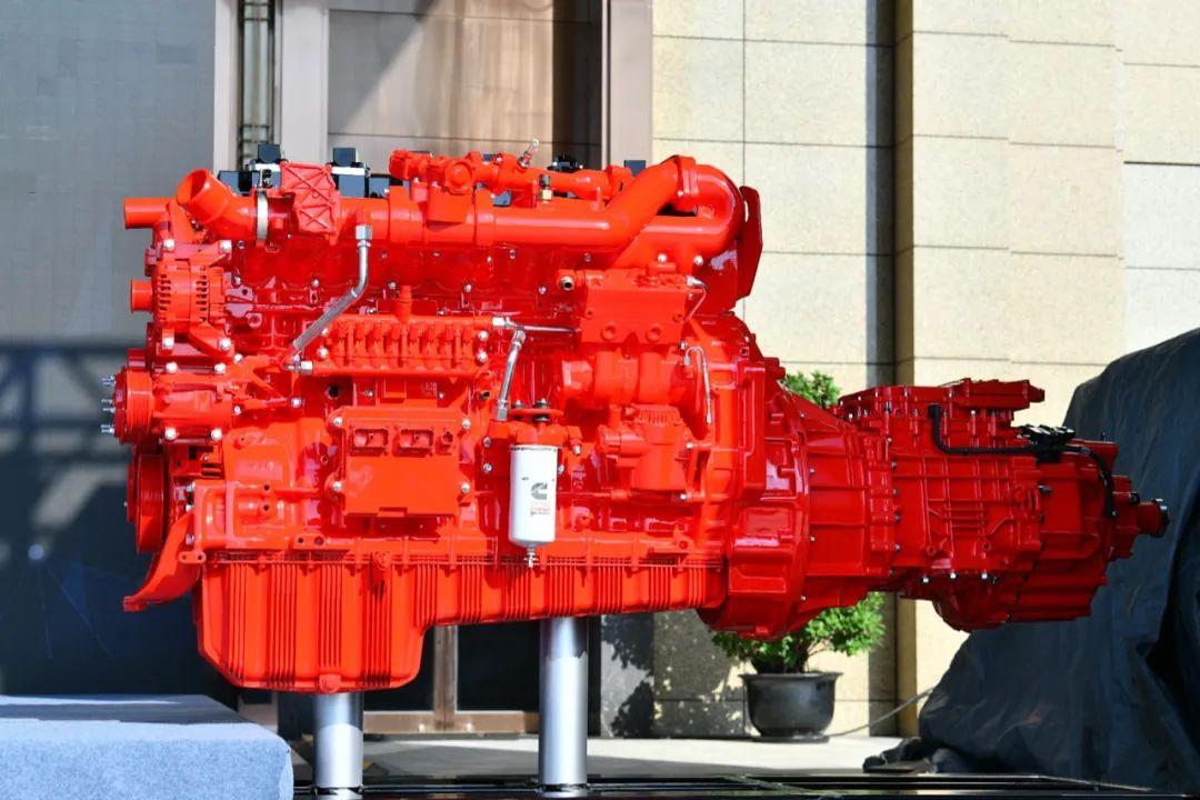 全新国六天然气动力登场!康明斯与中通点燃绿色高效发展引擎