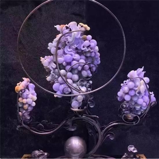 红翡绿翠紫为贵:倾国倾城的紫罗兰翡翠赏析
