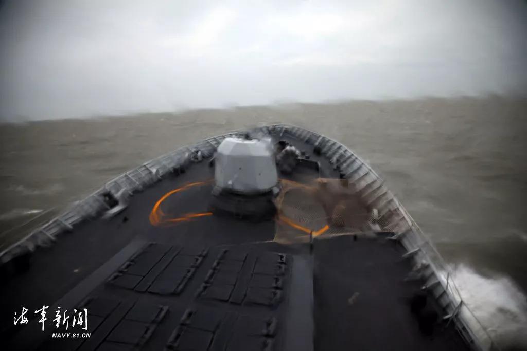 东海,多型武器实弹射击