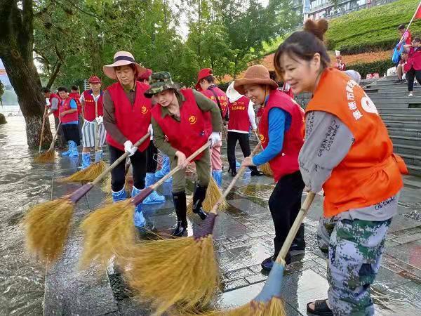 浙江建德:志愿者陈明珍2020年不同寻常的抗疫之路