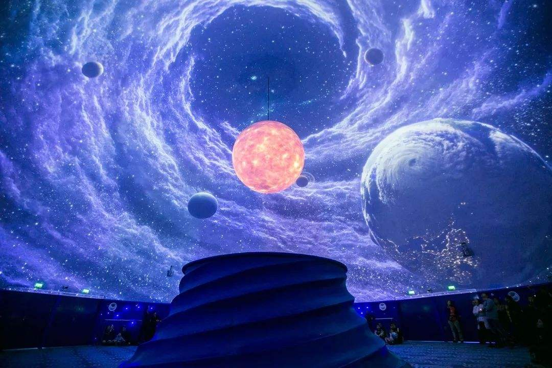 空间维数正在膨胀,我们是否生活在11维时空?