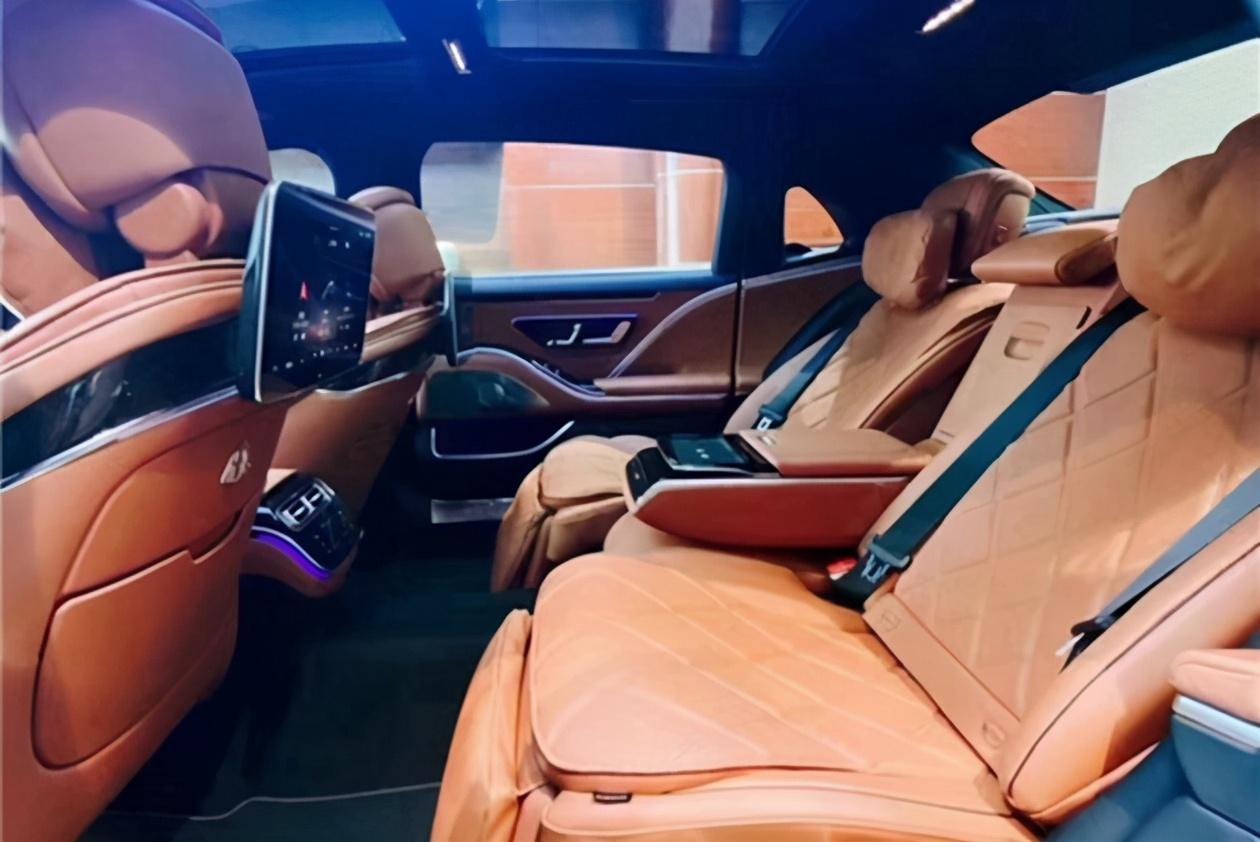 2021上海车展探馆 全新奔驰迈巴赫S480