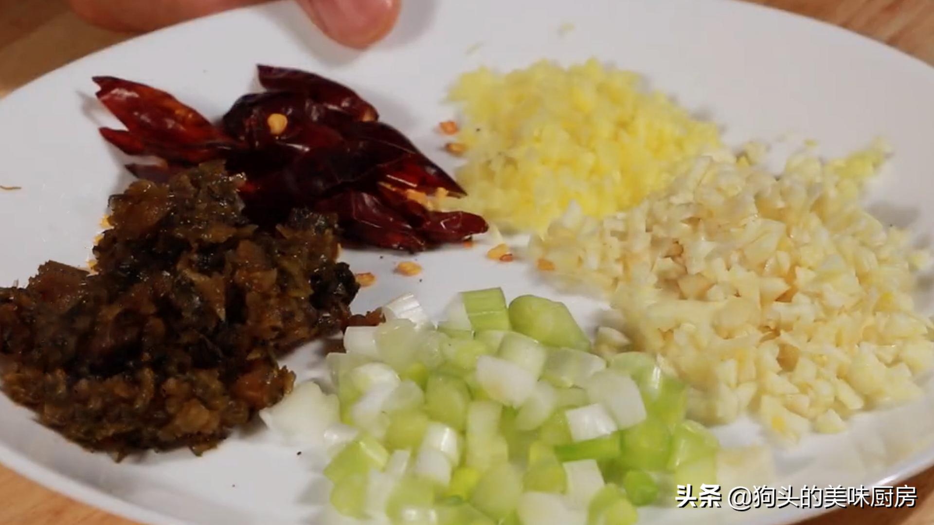 乾煸豆角有人焯水或直接炒,怪不得不好吃,教你一招,鹹香又入味