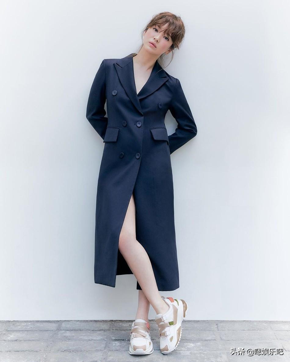 宋慧乔最新长发写真造型,回归单身后的她愈发的气质自信