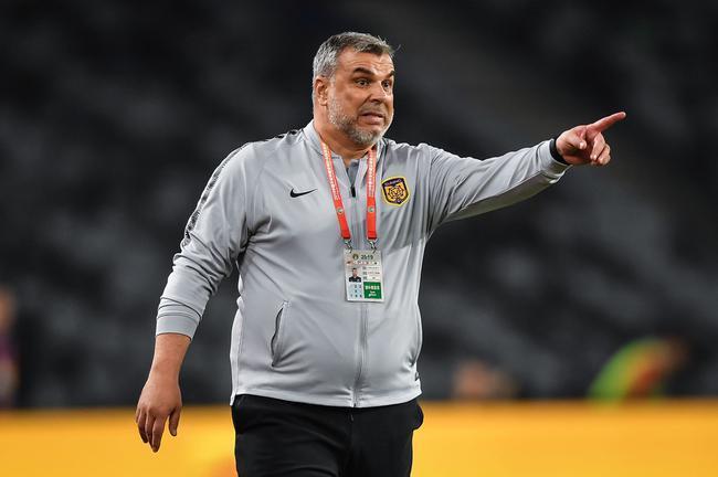了不起!中超名帅能力再次得到认可,斩获罗马尼亚年度最佳教练