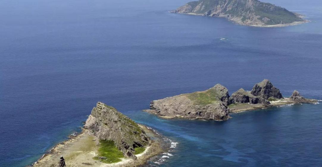 日本右翼再次闯入钓鱼岛,中国海警不再客气,直接霸气驱逐