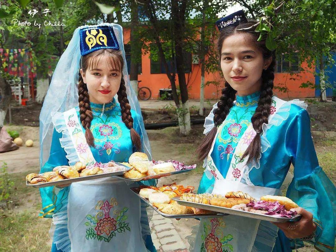 中国56个民族(五十),塔塔尔族