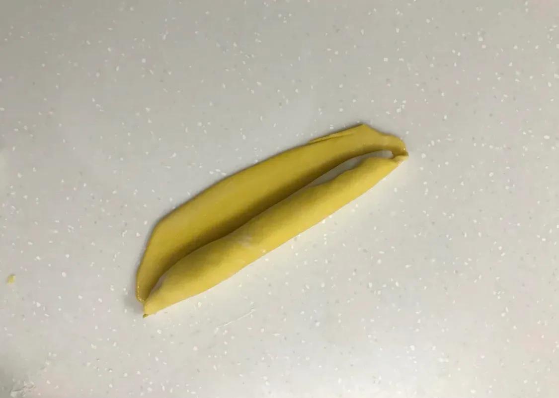 以假乱真的香蕉馒头 美食做法 第5张