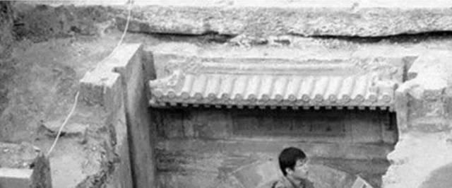 李莲英墓被挖开,所有人百思不得解,专家感叹:原来传说是真的