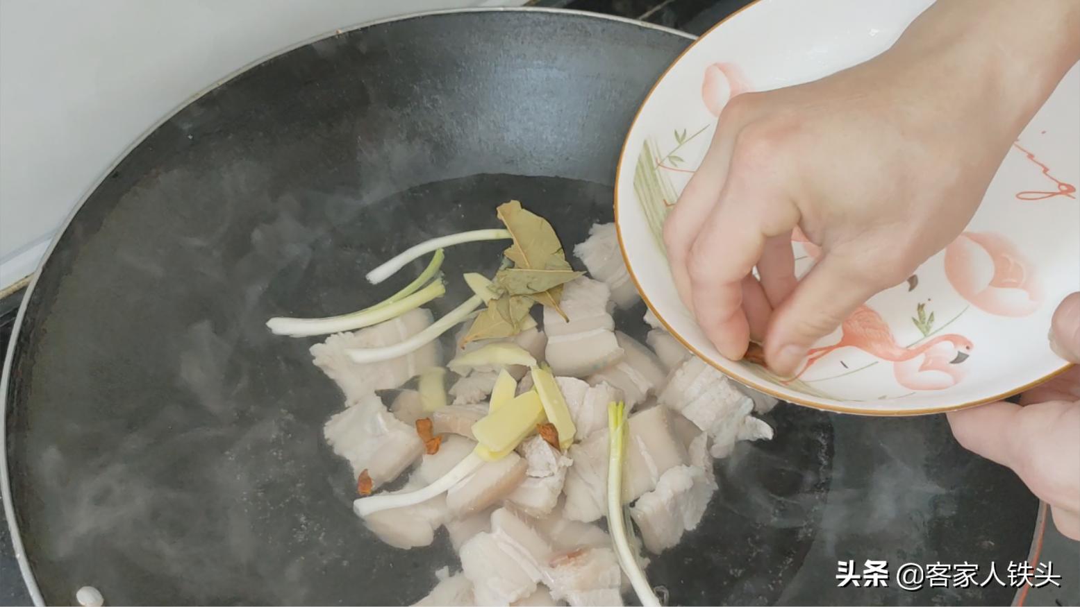 天凉了,教你一盘咸香好吃的懒人菜,饭菜一锅熟,营养下饭又省时