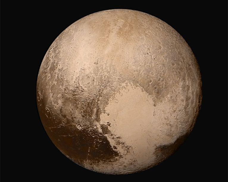 曾经的第九大行星冥王星,个头还没有月亮大,水量却比地球还多