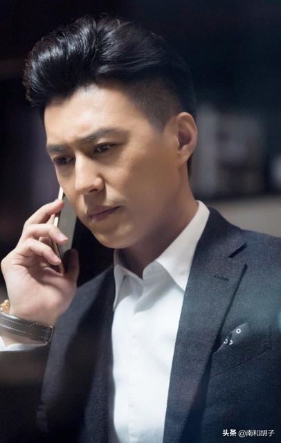 山东汉子靳东被评为国家一级演员,被网友称为娱乐圈的楷模