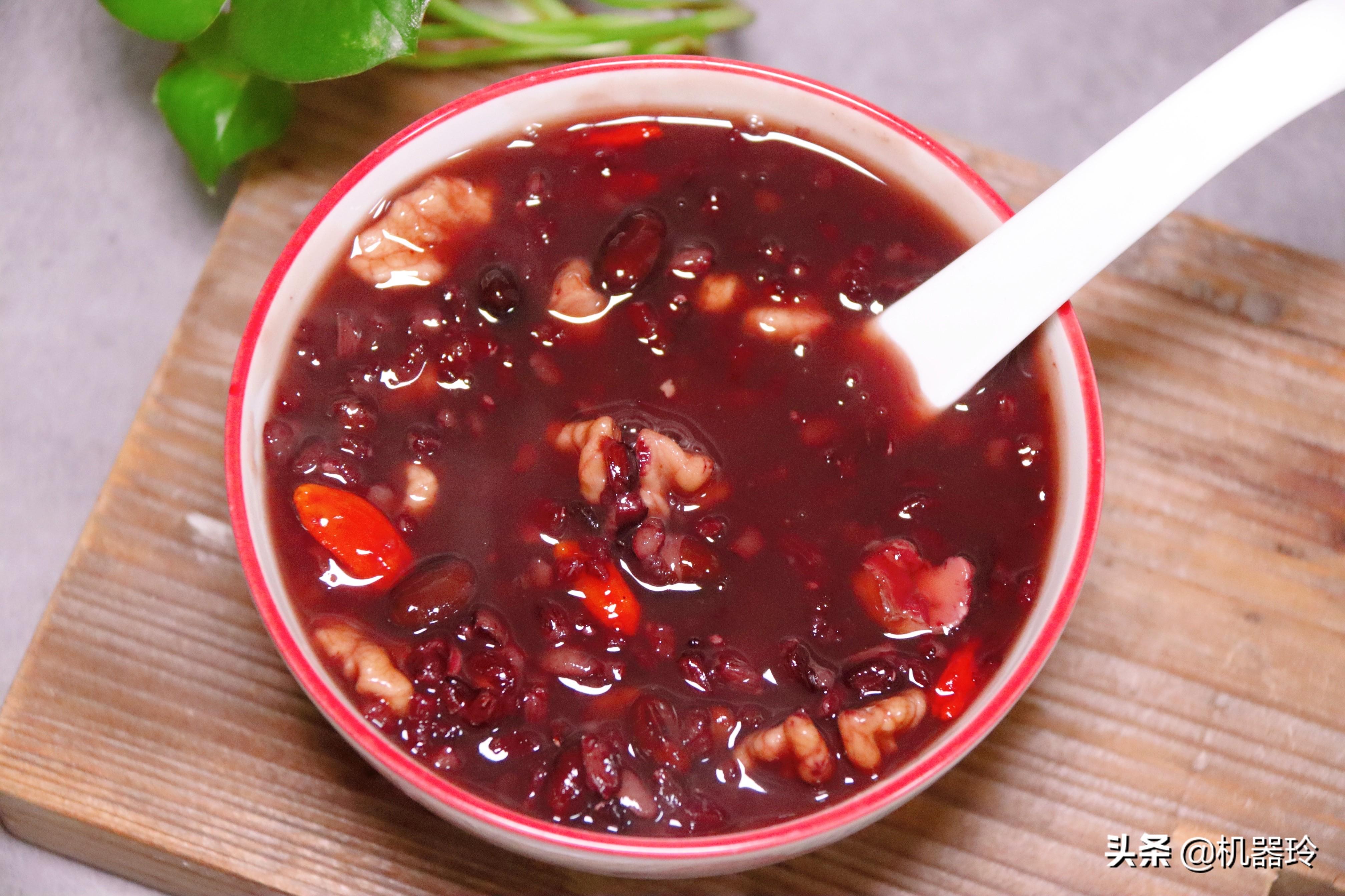 多喝这碗粥,脸蛋红润气色好不长斑 美食做法 第8张