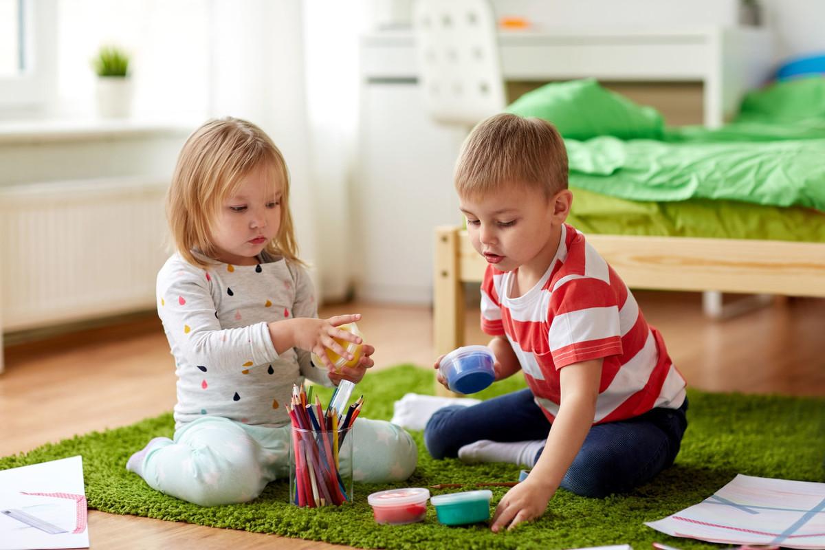 """孩子磨磨蹭蹭怎么办?试试""""三只青蛙""""法则,提升孩子做事效率"""