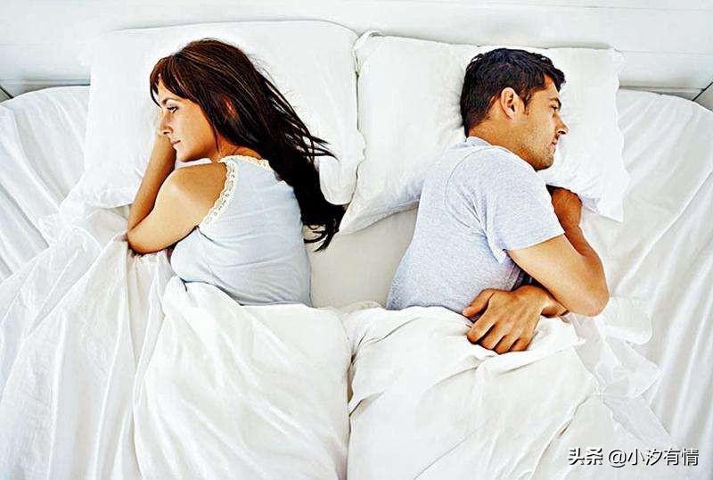 女人放弃一段感情前,会有这3种表现,有一个就是想要离开你了