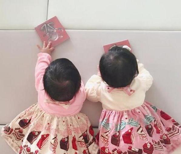 谢娜分享双胞胎趣事,跳跳爱说话情商高像妈妈,俏俏爱唱歌像爸爸