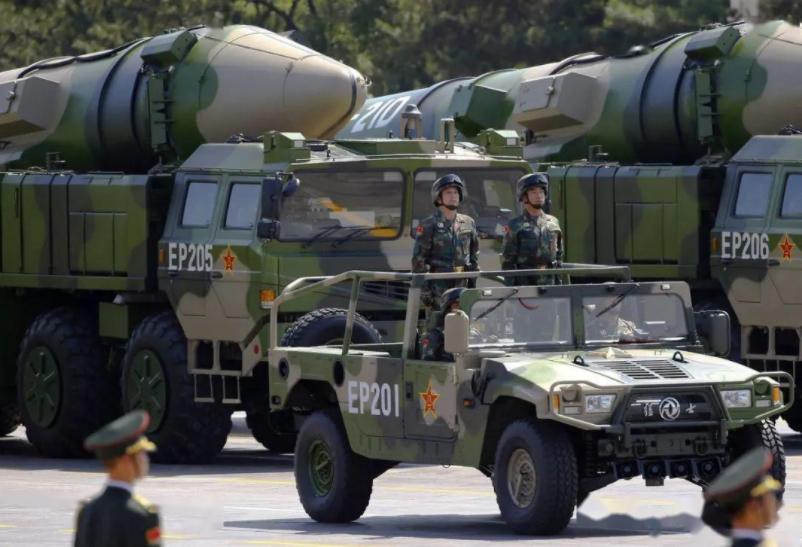 美国高官大胆预测,中国核弹头十年内增加一倍,可能有一千枚左右