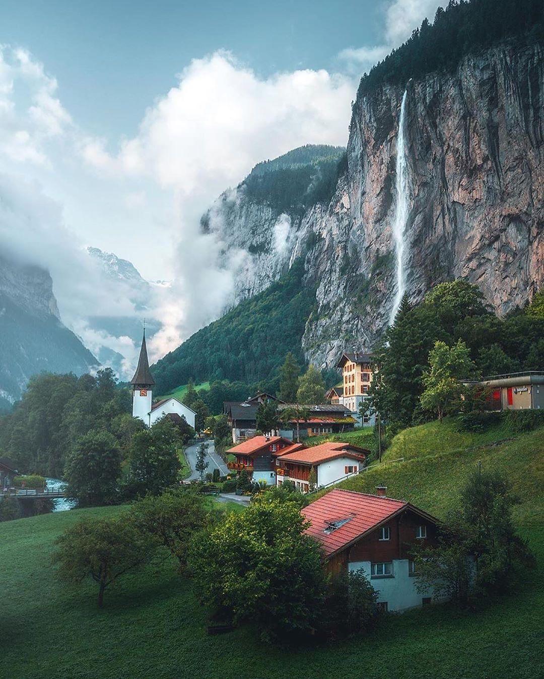 6415321bfb3d4d4e9363c7a05f2f7063?from=pc - 瑞士:一个童话般的国家