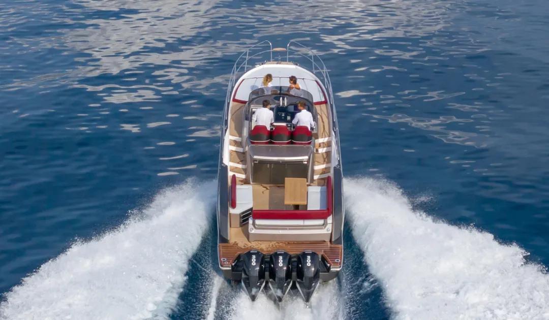 1275马力,55节高速海上飞驰,Sessa家庭巡航艇新旗舰