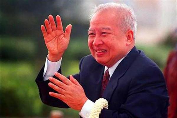 """柬埔寨""""黄赌毒"""":白人寻欢天堂,本地人的噩梦"""
