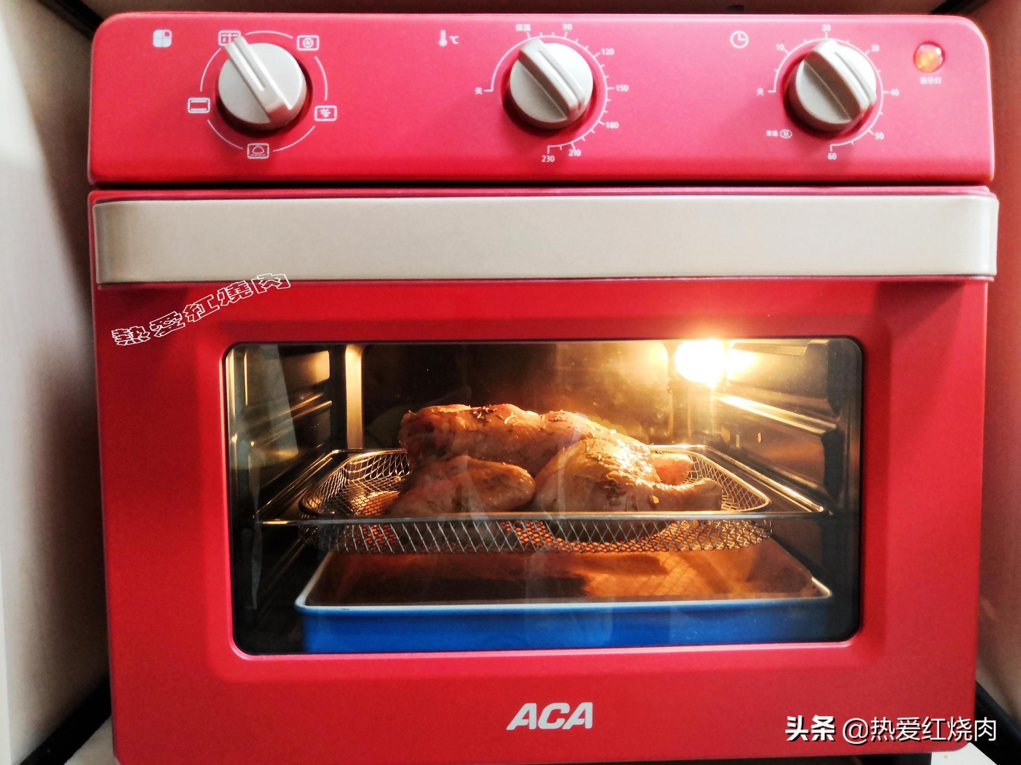 入秋天凉馋肉了,做了只烤鸡皮脆肉嫩又多汁,无需厨艺做着特省事