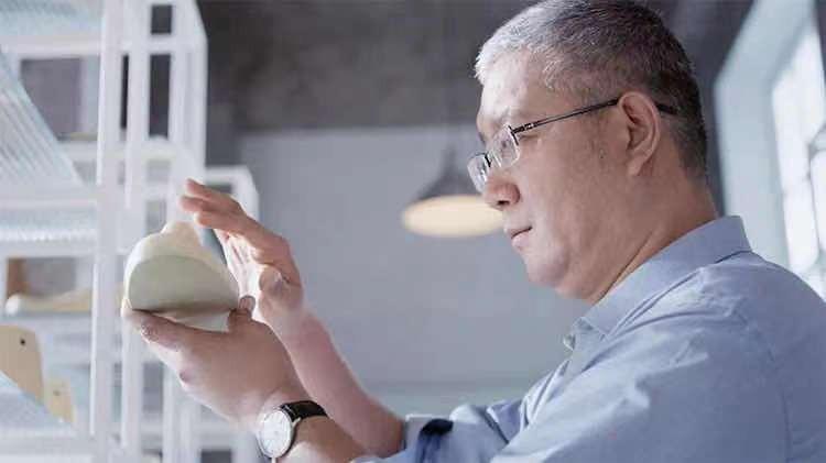 足力健老人鞋用高品质产品提升老人生活质量