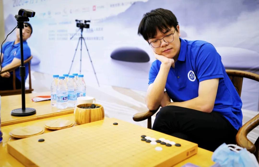 柯洁泪洒LG杯,AI时代的人类冠军为何也越来越难了