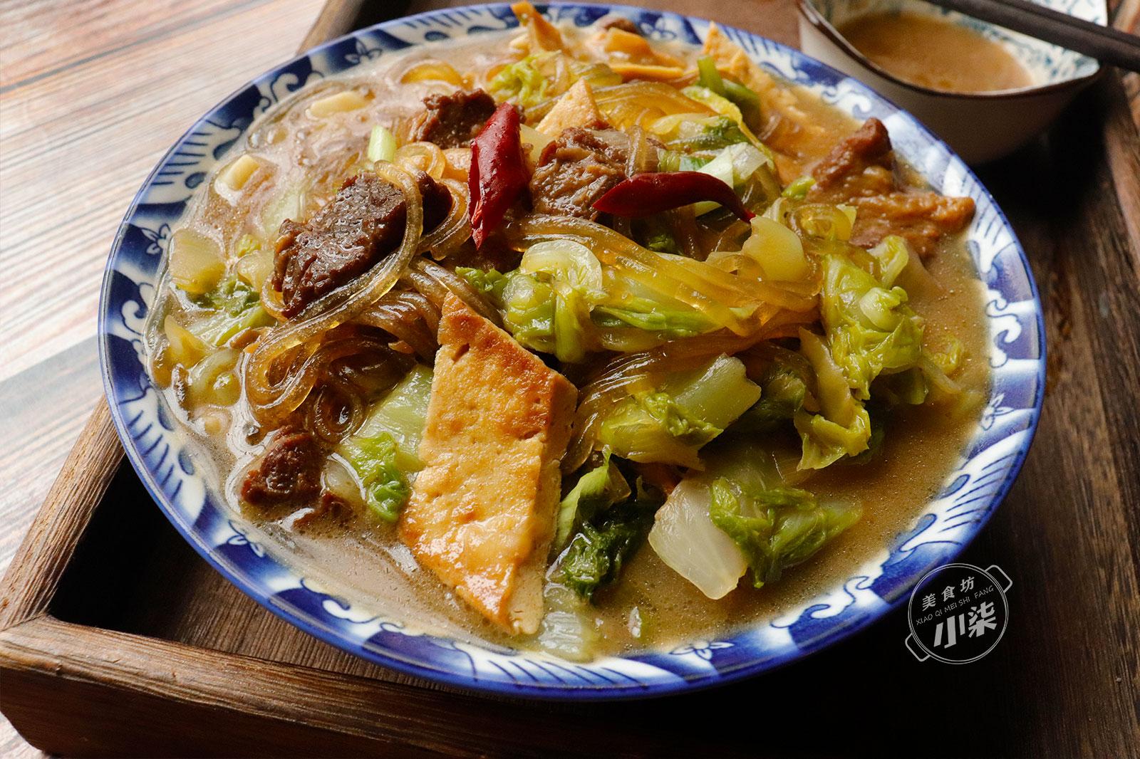 天冷,燉一鍋白菜粉條吃才過癮,吃完全身冒汗,好吃連湯汁也不剩