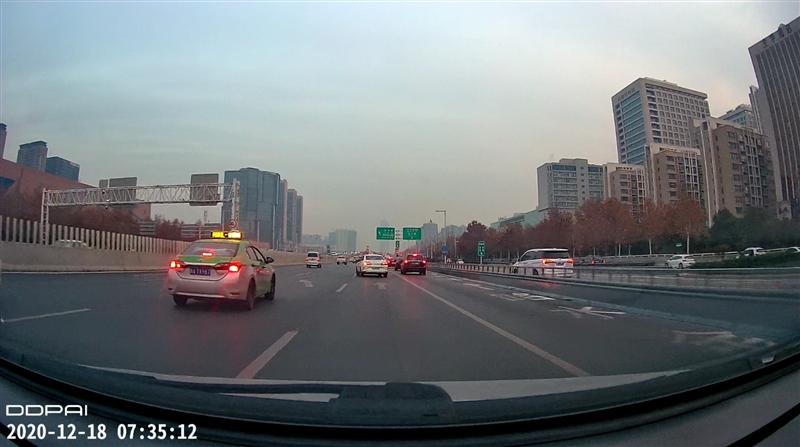 華為智選 車載智慧屏評測:智能后裝屏幕新時代