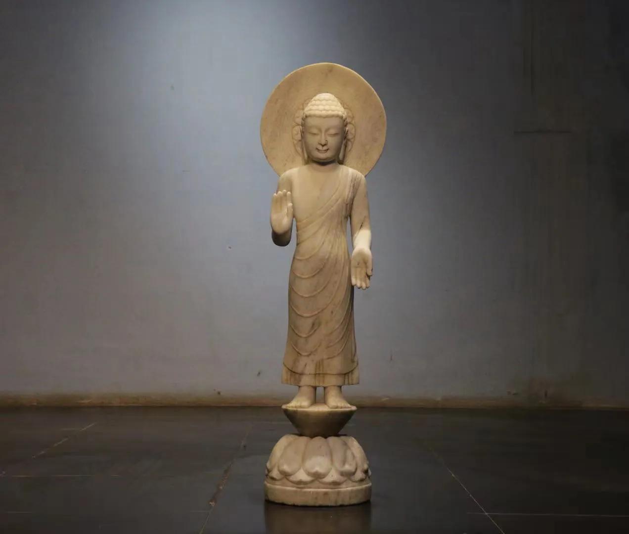 汉白玉佛像