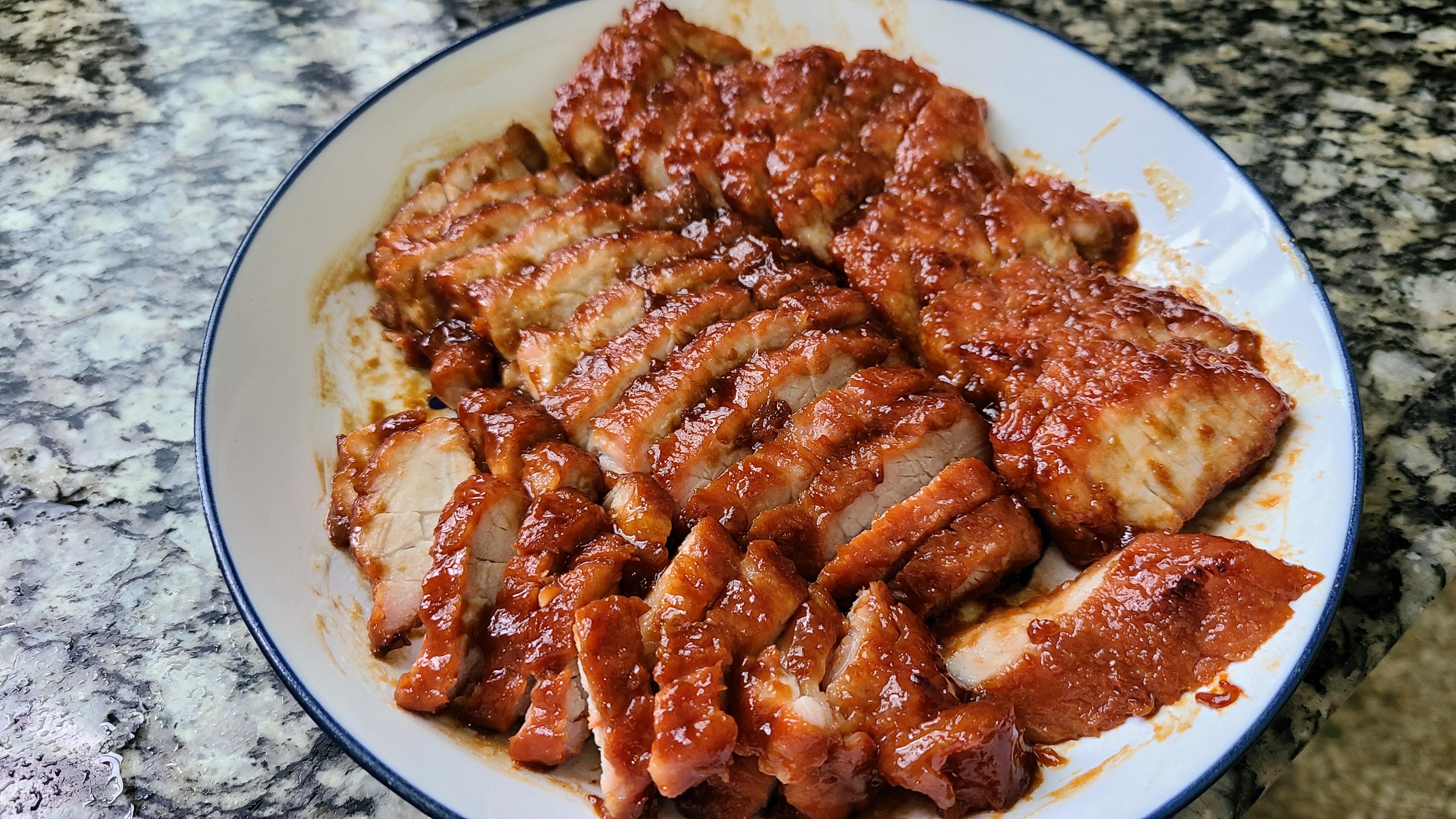 蜜汁叉烧,是广东很出名的一道菜,好吃又好看,太香了