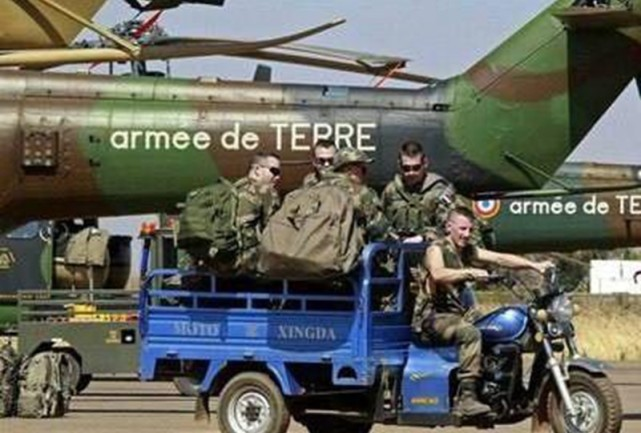 美军装备力量增强型静音战术推车!中国老农:这不就是我家板车嘛