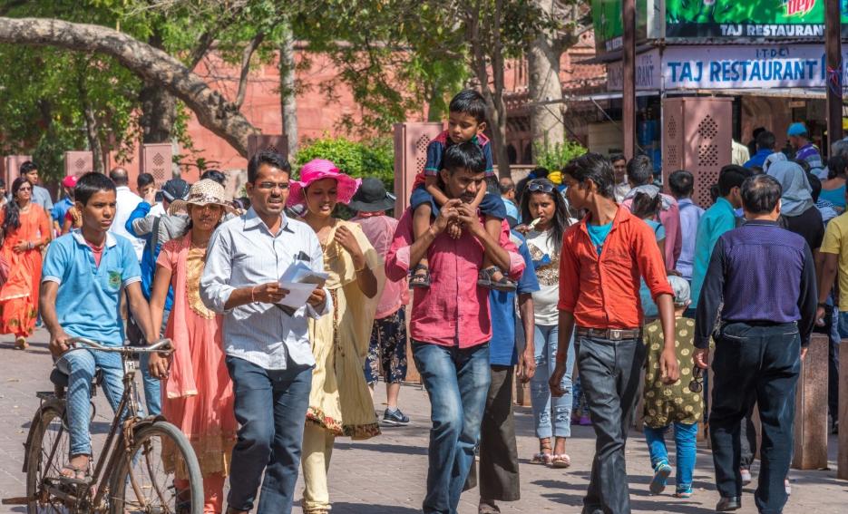 """印度人走出国门,全球已有多国被""""印度化"""",国家经济发展怎么样"""
