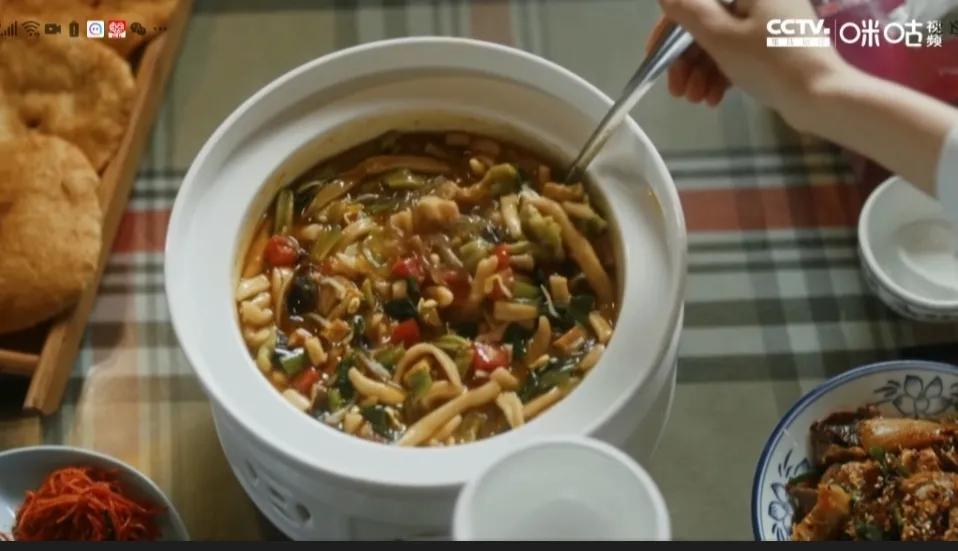 跟着《装台》说西安—西安的美食之老鸹撒
