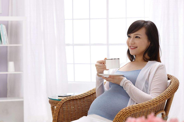 """明明是人怀孕可为啥叫""""羊水"""",羊水有哪些作用?看完你就知道了"""