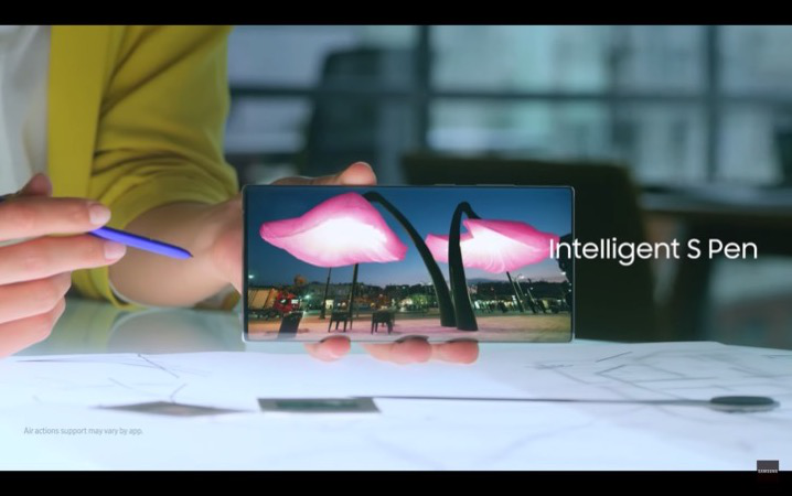 Galaxy Note10 Lite曝出,三星抛下引以为豪的曲面屏幕设计方案?
